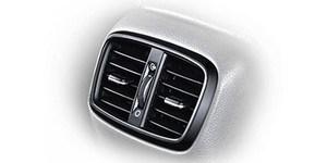 Hyundai i30 universaali tagumised õhutusavad tagaistmel sõitjatele