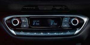 Hyundai i30 N-i kahetsooniline täisautomaatne kliimaseade