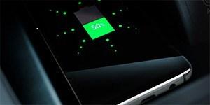 Hyundai KONA elektrimaasturi Style varustuses on nutitelefoni juhtmevaba laadimisalus